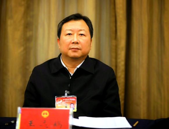 王远鹤接受媒体采访时提出坚决兜住基本民生保稳定