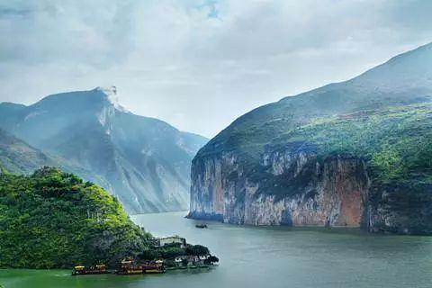 保护长江环境  咸宁市处置船舶污染物百余吨