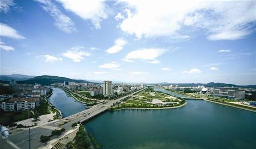 王远鹤调研光谷科技创新大走廊咸宁功能区建设
